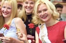 Фурсенко переплавит медали на памятные знаки