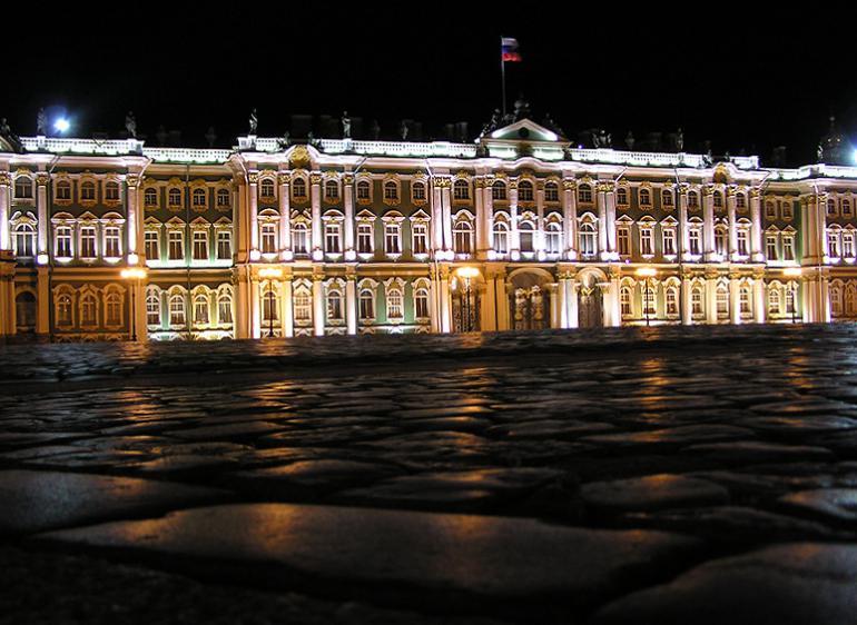 Из Эрмитажа пропало 221 произведение русских ювелиров
