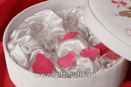 Свадьба: Бокалы со стразами от Swarovski