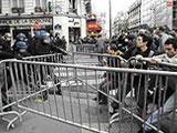 В Париже продолжаются беспорядки
