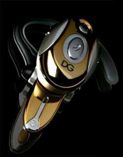 Motorola H700 D&G: Золотая гарнитура