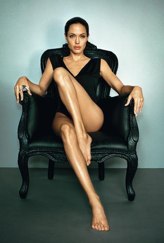 Анжелина Джоли - ангел доброты