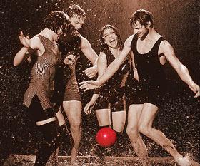 На сцене Театра им. Моссовета до конца июля будет идти «Дождь»