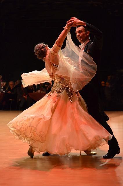 Где в Москве потанцевать вальс, танго или сальсу?