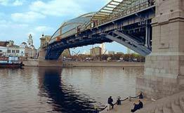 Нефть в Москве-реке: новые подробности