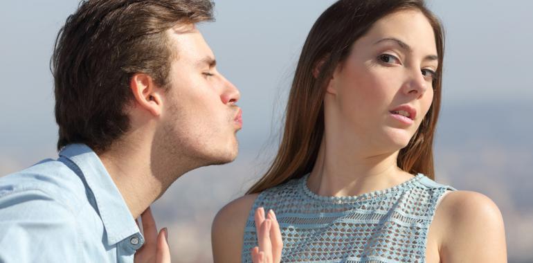 Неприятный запах изо рта — как не испортить свидание или же важную встречу