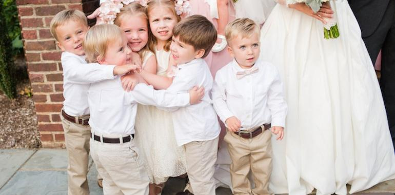 Дети на свадьбе: как занять непосед?