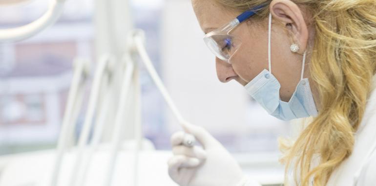 Меры предосторожности после имплантации зубов