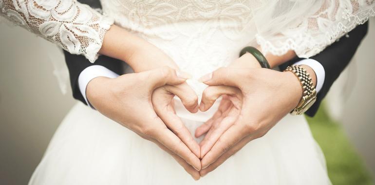 Как зачать близнецов с помощью ЭКО и суррогатного материнства?