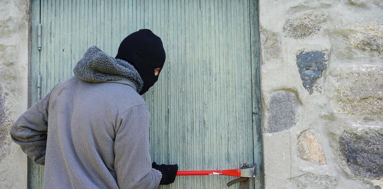 Как обезопасить квартиру от воров