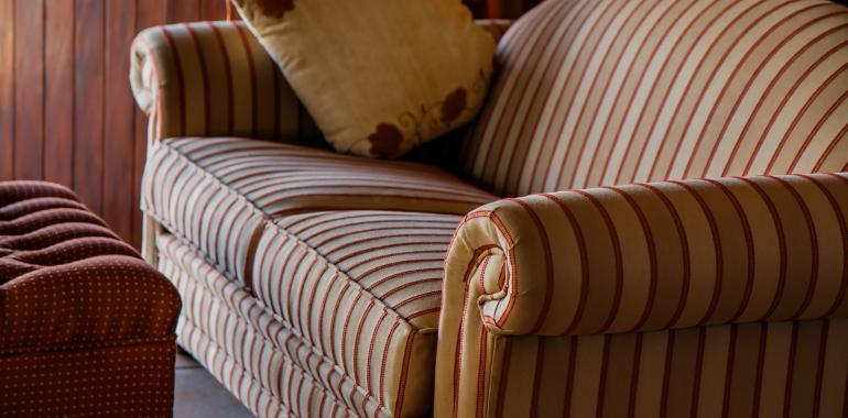 Как поменять поролон в диване