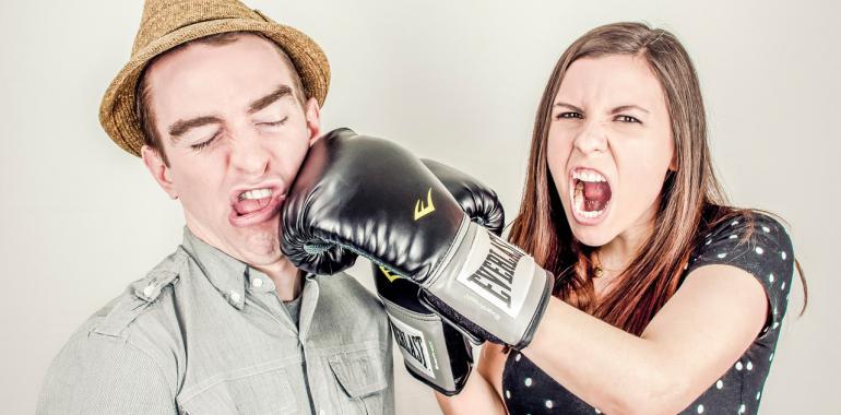 Как сделать грушу для бокса своими руками из мешка  - настенная, как сшить