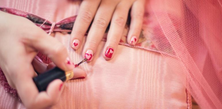 Как укрепить ногти, чтобы не слоились и не ломались в домашних условиях?