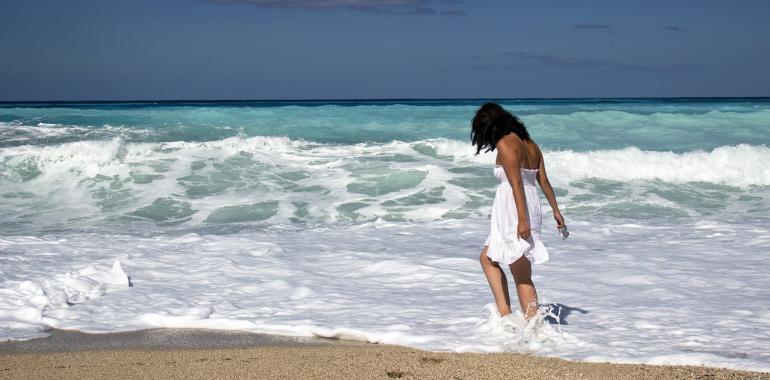 Куда поехать в отпуск одной девушке
