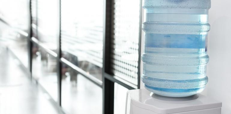 Выбираем кулер для воды в офис