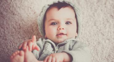 Какую одежду можно подарить малышу?