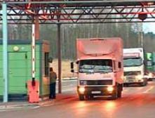 На российско-латвийской границе образовалась пробка из грузовиков