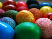 Как красить яйца пищевыми красителями