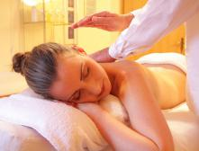 Лечебный массаж шеи и спины при боли поясницы, техника, уроки - видео как делать